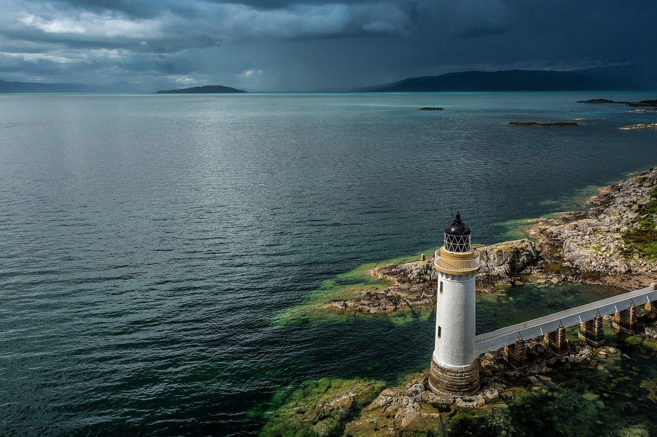 lighthouse-2359439_1280